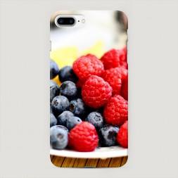 Пластиковый чехол Сочные ягоды на iPhone 7 Plus