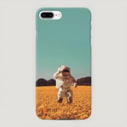 Пластиковый чехол Космонавт в поле на iPhone 7 Plus