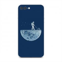 Силиконовый чехол Космонавт на луне на iPhone 7 Plus