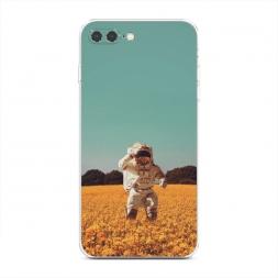 Силиконовый чехол Космонавт в поле на iPhone 7 Plus